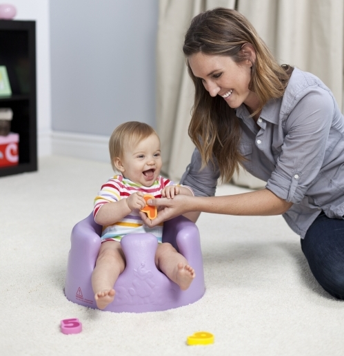 nauka siadania u niemowlęcia