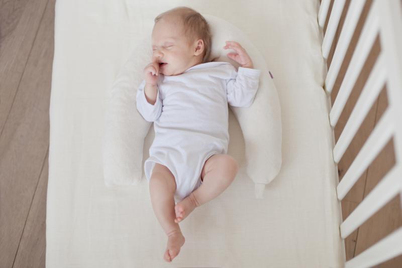 Jak zapewnić noworodkowi bezpieczny i spokojny sen?