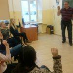 Uczą się języka migowego, by zrozumieć i być zrozumianym