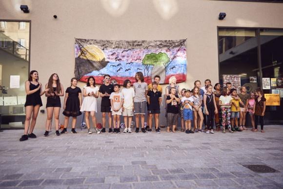 Wspaniałe Brave Kids. Zobacz zdjęcia z Przedmieścia - Brave Kids pożegnały się z Przedmieściem Oławskim. Teraz przeniosą się na Złotniki. Przygodę z tegoroczną edycją zakończą na niepowtarzalnym festiwalu, w którym wezmą udział dzieci z całej Polski. Do jego organizacji potrzebni są wolontariusze. Zapisy trwają!