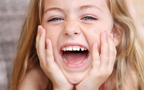 Jak zadbać o zęby dziecka i zachęcić dzieci do regularnej higieny jamy ustnej